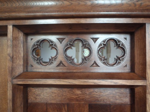 Oak screen - roundels detail
